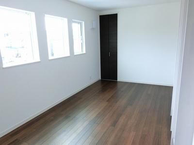 【現地写真】 オシャレな室内となっていますね♪ こんな空間での生活はいかがでしょうか♪