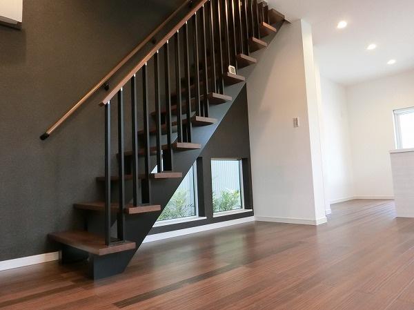 【現地写真】 オシャレなスキップ階段です♪