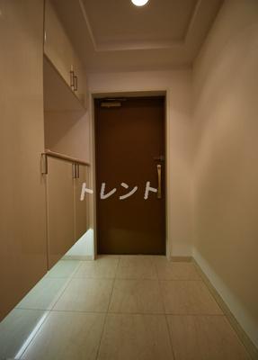 【玄関】ファミール芝公園グランスイートラヴィル