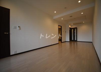 【居間・リビング】愛宕ビューアパートメント