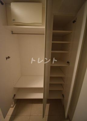 【玄関】レガーロ新橋