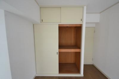 【収納】白い小さなマンション