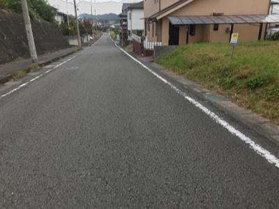 【前面道路含む現地写真】【売地】岩出第二中学校区・56441