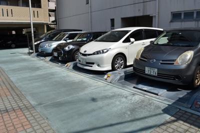 【駐車場】ジオ・グランデ・高井田
