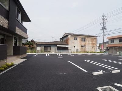 【駐車場】モアニ ケアラ エカヒ