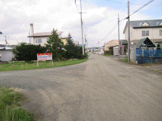 【前面道路含む現地写真】北見市東相内町9番96 売土地