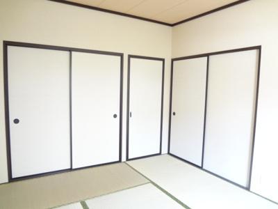 写真は同じ間取りの違う部屋の写真です。