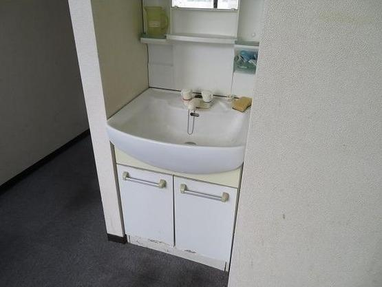 トウセン池袋ビルの独立洗面台☆