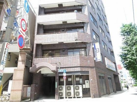 トウセン池袋ビルのエントランス☆