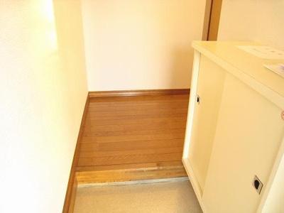 広い玄関はシューズボックスもあり整理整頓も