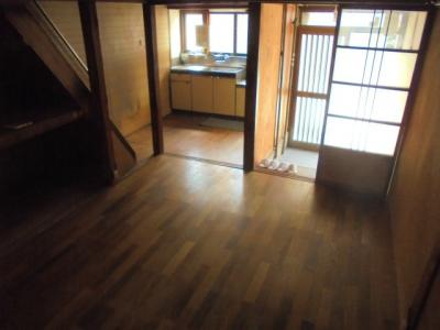 【居間・リビング】住道矢田2丁目テラスハウス