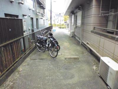 敷地内にバイク(50ccまで)・自転車駐輪できます!自転車やバイクがあれば通勤・通学、お買い物にも便利です♪