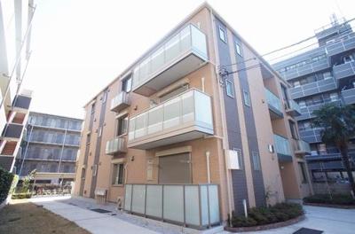 積水ハウス施工の賃貸住宅シャーメゾン♪なにより東急東横線「綱島」駅より5分が魅力♪閑静な住宅地にある3階建てマンションです♪