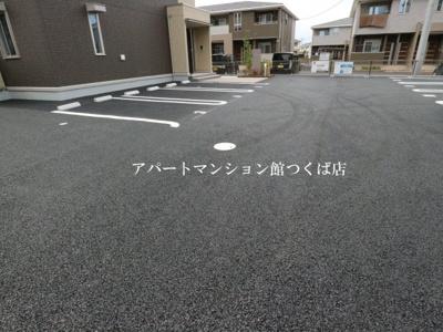【駐車場】ゼピュロスみどりの D棟