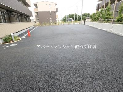 【駐車場】ゼピュロスみどりの G棟