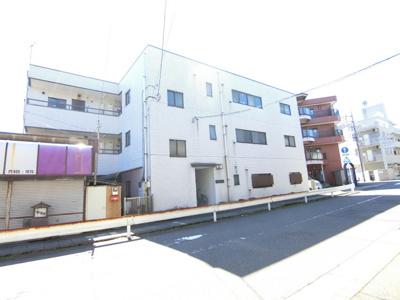 小田急線「向ヶ丘遊園」駅より徒歩8分の3階建てマンションです♪「登戸」駅も徒歩圏内!2駅・2沿線利用可能で通勤通学に便利な立地です☆