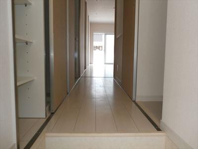 リブリ・マロングラッセの廊下イメージ