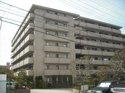 RC造・重厚な外壁タイル張りの【グランドゥールレジデンス田園】!