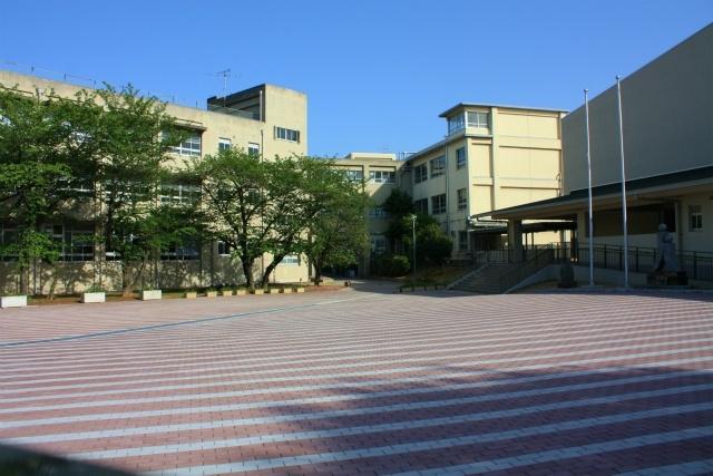 上野芝中学校