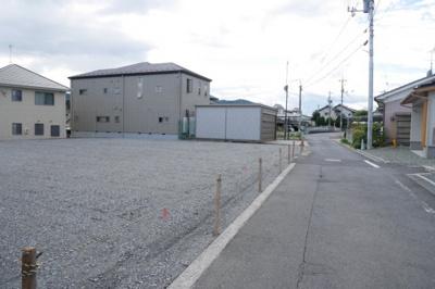 【前面道路含む現地写真】津山市上之町 分譲地75.9坪(2区画 東側)