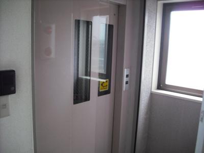 エレベーター付きでラクラク!
