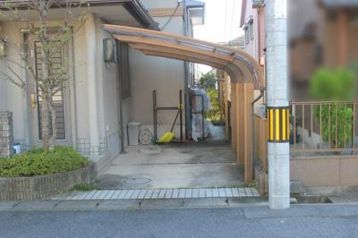 駐車スペースは二カ所あります。