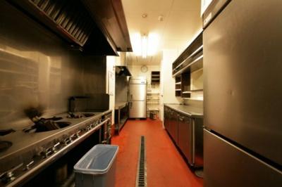 今泉スクエア 1-B 厨房機器がそのまま譲渡されます