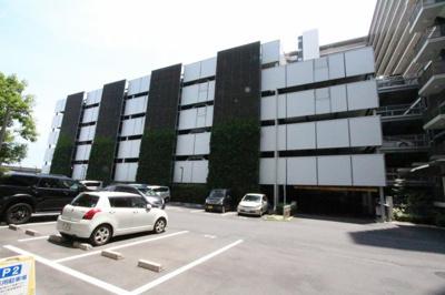 駐車場に車を止められます 吉川新築ナビで検索