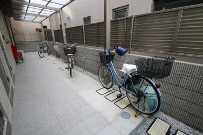 駐輪場(各世帯1台)です。 サウサリート3