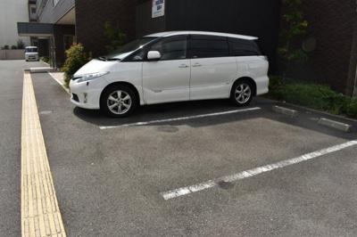 【駐車場】セーズコート高井田