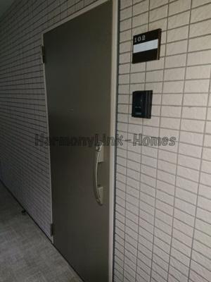スカイコート板橋本町のゆったりとした空間のトイレです☆