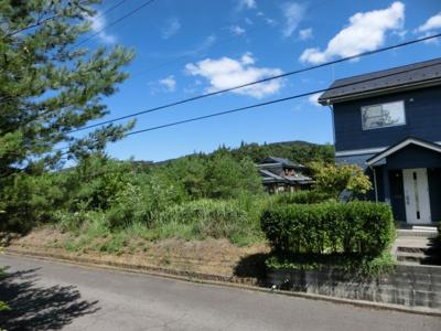 石川県境の山が間近に見えます。