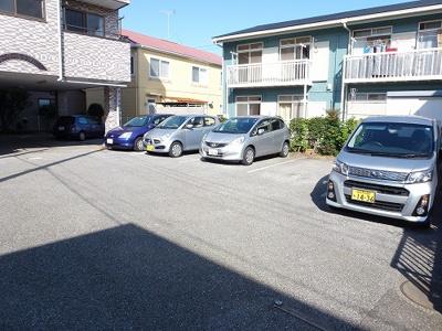敷地内駐車場も空きありますよ
