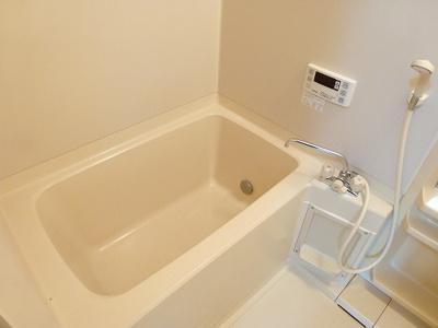 広いお風呂は追い焚きついてますよ