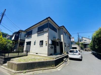 小田急線「柿生」駅より徒歩8分!便利な立地の2階建てアパートです♪通勤通学はもちろん、お買い物やお出かけにもGood☆