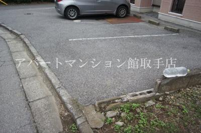【駐車場】クレスト