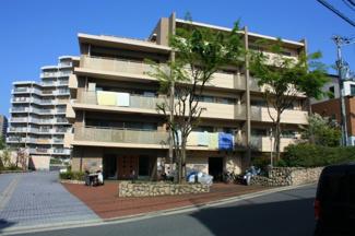アステルコート上野芝 上野芝駅近くのマンションです