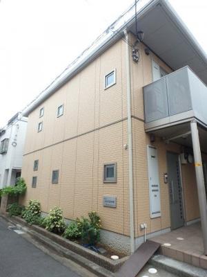 グリーンライン「高田」駅より徒歩9分!スーパーやコンビニが近くて便利な立地の2階建てアパートです♪通勤通学はもちろん、お買い物やお出かけにもGood☆