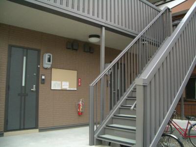 入居者が通る階段、通路です