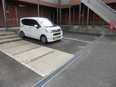 【駐車場】リバーサイド・ルーチェ A
