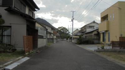 【前面道路含む現地写真】飯山町東坂元売土地