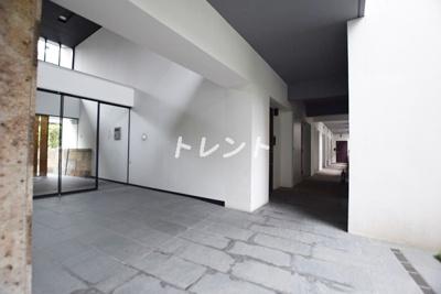 【エントランス】フィース神楽坂