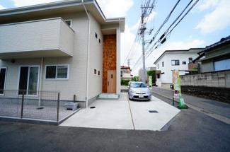 現地写真 駐車スペースはもちろんコンクリート舗装!