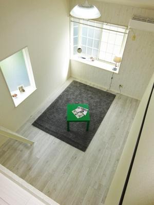 ロフトスペースからの景観です!天井が高く開放感のある洋室7帖のお部屋です☆