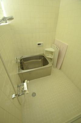 那の川戸建Ⅱ(1-2階) 浴室には窓があります