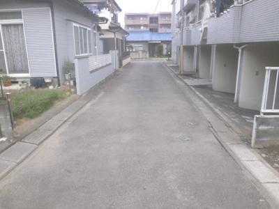 【前面道路含む現地写真】熊谷市新堀 1090万 土地