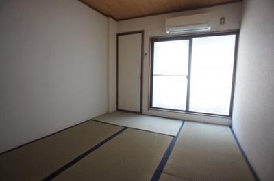 【寝室】ローズリーフ平野