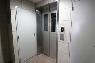 引越しのときにも重宝するエレベーター完備