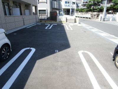 【駐車場】シュテルン