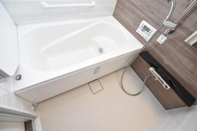 【浴室】セレニテ心斎橋グランデ